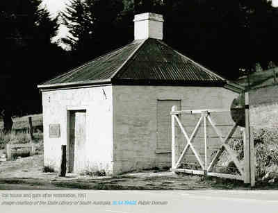 Toll house and gate after 1951 restoration
